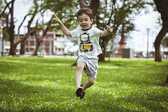 Happy 4 years Vini!!! (Pablin79) Tags: vini vicente kid child childhood park colors grass jump happy toddler posadas misiones argentina sky trees nature playing outdoors