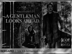a gentleman looks ahead. (Paolo Cozzarizza) Tags: italia lombardia bergamo scorcio cartello