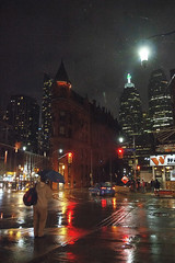 First snowy night in Toronto October 27 2018 (A Great Capture) Tags: candid agreatcapture agc wwwagreatcapturecom adjm ash2276 ashleylduffus ald mobilejay jamesmitchell toronto on ontario canada canadian photographer northamerica torontoexplore fall autumn automne herbst autunno 2018 city downtown lights urban night dark nighttime cold snow weather colours colors colourful colorful cityscape urbanscape eos digital dslr lens canon rebel t5i sigma reflection mirror glass reflections outdoor outdoors outside architecture architektur arquitectura design snowing streetphotography streetscape photography streetphoto street calle darkness nocturnal illuminate lighting flatiron gooderham building umbrella