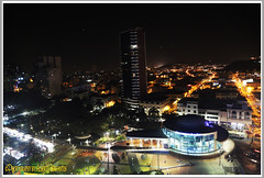 NOCHE GUAYAQUILEÑA. NIGHT GUAYAQUILEÑA. GUAYAQUIL - ECUADOR. (ALBERTO CERVANTES PHOTOGRAPHY) Tags: guayaquil gye ecuador guayaquilecuador republicadelecuador guayas cine cinemamalecom cinema malecon malecon2000 building ciudad city nocturno night sky nightscape colornight streetphotography photoborder photoart luz light color colores colors brightcolors brillo bright indoor outdoor blur retrato portait calle camino road guayaquileña guayaquileño flickrunitedaward award united flickr photography ecuadorgye colours