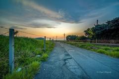 夕彩 sunset (Lin Honglin) Tags: 路 黃昏 夕照 夕陽 road color cloud sunrise sky taiwan tokina nikond610 photography sunset nikon