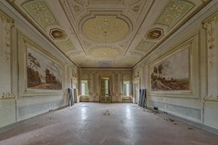 (Kollaps3n) Tags: abandoned abbandono decay nikon italy architettura beauty urbanexploration