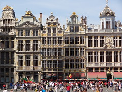 Bruxelles Grand-Place (LauriusLM) Tags: bruxelles brussel brussels belgique belgië europe grandplace grotemarkt ruedelatêted'or ville city rue place architecture urbanisme lumières lights light viewpoint extérieur paysage landscape nature photography photographie vacances holidays travel voyage géo photo photogéo lonely monde gettyimage flickr travelphotography lonelyplanet yahoo wikipedia googleimage imagesgoogle nationalgeographic photoflickr photogoogleearth photosflickr photosyahoo sonycybershotdschx9v potd:country=fr