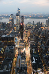 2018 Aout - New York.1045 (hubert_lan562) Tags: new york united states usa city street big nuit gratte ciel rue manhattan night light lumiere newyork hauteur hight