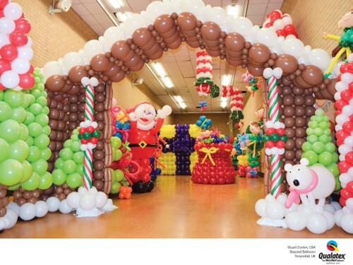 Deco-Twisted Christmas Scene