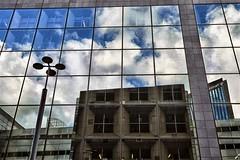 Techni (roberke) Tags: reflections reflecties reflectie gebouw building sky lucht clouds wolken architecture architectuur windows ramen vensters parijs paris outdoor buiten
