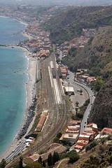 FS: Bahnhof Taormina-Giardini (Helgoland01) Tags: taormina sicilia sizilien italien italia eisenbahn railway bahnhof station