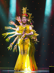 DAG_8694r (crobart) Tags: thousand hand bodhisattva eyes yate dance acrobatic team chinese china canadian national exhibition cne 2018 toronto