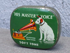 Vintage His Master's Voice Nipper The Dog Advertising Tin For Soft Tone Gramophone Needles (beetle2001cybergreen) Tags: vintage his masters voice nipper the dog advertising tin for gramophone needles soft tone