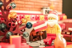 Christmas eve (JDesales) Tags: bricktology lego vignette diorama minifigures cms legophotography santa christmas