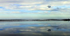 mirrored sky (ᗰᗩᖇᓰᗩ ☼ Xᕮ∩〇Ụ) Tags: sea sky clouds reflection spiegelung mittelmeer mediterranean moments momente wolken water wasser greece griechenland ελλαδα θαλασσα ουρανοσ συννεφα αντανακλαση view canoneos1100d autumn herbst blau blue minimalism serenity seasoul χρωματα ηρεμια mirroredsky