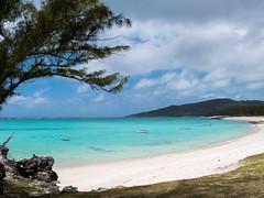 P1000937.jpg (cédricpeltier) Tags: voyage océan rodrigues paysage bateau plage