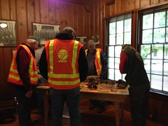 2015. Conk display. USFS Forest Health Protection danger tree training. Gifford Pinchot National Forest, Washington. (USDA Forest Service) Tags: usda usfs forestservice foresthealthprotection stateandprivateforestry region6 r6 westsideservicecenter westsideforestinsectanddiseaseservicecenter 2015 dangertree training education hazardtree forestpathology giffordpinchotnationalforest washington conk display kristenchadwick