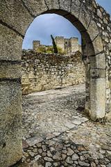 Castillos de leyenda (Castillo de Trujillo) (Juanjo RS) Tags: juanjors trujillo extremadura cáceres castillo españa spain fortaleza amateur nikon europa europe nikond7100 pueblo empedrado arco muralla castle piedra
