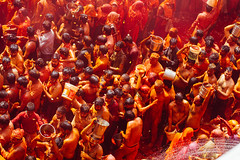 Holi Celebration in Shri Dauji Temple, Chhabria India (AdamCohn) Tags: 016kmtobaldevinuttarpradeshindia abeer adamcohn baldev chhabria india shridaujitemple uttarpradesh colors geo:lat=27408303 geo:lon=77821984 geotagged gulal holi play wwwadamcohncom अबीर गुलाल baldeo