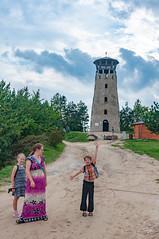 _DSC1457.jpg (Kaminscy) Tags: path roztocze jozefow stonepit tower woman happiness sky kids forest europe zamojszczyzna poland józefów lubelskie pl