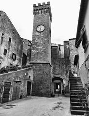 Roccastrada - 1 (antonella galardi) Tags: toscana grosseto 2016 roccastrada paese bn bw biancoenero monocromatico
