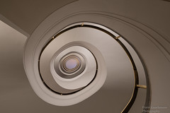 Round and Round (Frank Guschmann) Tags: treppe treppenhaus staircase stairs stairwell escaliers steps stufen frankguschmann nikond500 d500 nikon