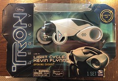 Tron Legacy -Kevin Flynn's lightcycle,  Spin-master 2010 (skott00) Tags: actionfigure toy 118 375 disney tron
