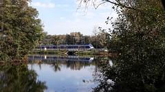 Blauwkapel (bcbvisser13) Tags: gracht reflectie reflection trein train bomen wasser lake panorama doorkijk oosterspoorbaan nssprinter bastionweg blauwkapel gemutrecht nederland holland eu buurtschap hamlet welle