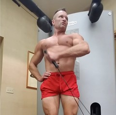 hammer curls (ddman_70) Tags: pecs shirtless abs muscle gym workout biceps shortshorts