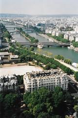 Paris (iampaulrus) Tags: france paris olympus az210 analog analogue 35mm film35mm scannedprint city cityscape town