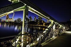 Frankfurt0523 (schulzharri) Tags: tags hinzufügen frankfurt deutschland germany europa europe flus river water wasser city stadt hessen himmel fluss gebäude wolkenkratzer dämmerung sonnenuntergang skyline brücke turm nacht