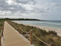 Boardwalk @ Son Saura Beach (m_artijn) Tags: boardwalk son saura beach menorca es cloudy would rope sand sea blue