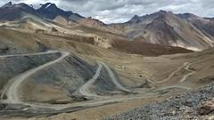 Less than 200m to climb up Sirsir La