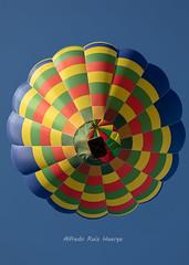Desde abajo (Alfredo.Ruiz) Tags: canon eos5d ef70200 globo regata vitoria