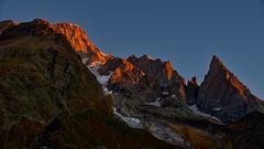 L'Aube... (noel.crosetti) Tags: montblanc valveny valdaoste peuterey glacier séracs