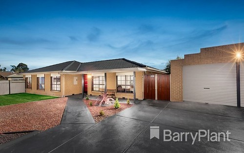 7 Giles Ct, Mill Park VIC 3082