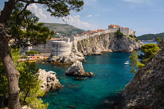 Dubrovnik, Croatia (taipan_pl) Tags: croatia hrvatska dubrovnik dalmatia dalmacija adriatic balkans old city fort walls sea tree azure water rocks chorwacja coast dubrownik ragusa viewpoint