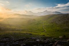 Valico di Capo la Serra (luigig75) Tags: campoimperatore valicodicapolaserra sonyilce5000 sonyepz1650mmf3556oss abruzzo italy landscape mountains sunset clouds italia