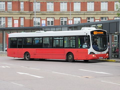 Rosso 1601 (YN05GXT) 07082018 (Rossendalian2013) Tags: transdevblazefield transdev rosso rossendaletransport bus bury interchange scania wright solar l94ub yn05gxt readingbuses