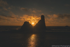 Rocks make a wonderful frame for the sunset (Wiseman-Photography) Tags: california ocean landscape longexposure long exposure oceanscape scape land waves sunset oceansunset oceanrocks rocks muscleshell