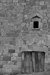 DSC_9693 (Michel Seguret Thanks for 13.6 M views !!!) Tags: france aveyron montjaux porte door mur wall automne autumn fall bw nb michelseguret nikon d800 pro
