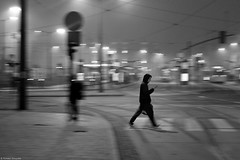 Mobile - Chorzów 2018 (Tomek Szczyrba) Tags: move movement motion ruch street ulica streetphoto photo człowiek people man miasto city town polska poland morning poranek bw monochrome noir sidewalk chodnik fotografiauliczna streetphotography mgła mist światło światła mobilephone mobile phone light lights fog zebra przejście crossing ludzie kaptur hood blackandwhite noiretblanc enblancoynegro inbiancoenero czerń biel czerńibiel czarnobiałe