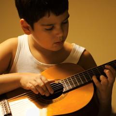 Filip_Zagreb2018(04) (Stanislav Kitarovic) Tags: portrait guitar d7000 boy people voigtlandernokton58mmf14slii