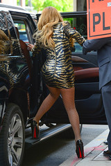 Mariah Carey (keioffice26_) Tags: mariahcarey singer mother diva newyork nbcupfront fashion style arriving shortdress posing legs christianlouboutin pumps touchinghair ny usa