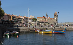 Collioure (Andrea Rizzi Esk) Tags: collioure francia france europe trip travelcolorful sea clock tower bell boat traditional cityscape sky blue