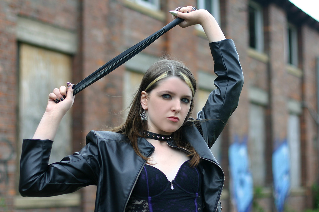 Gothic girl with teen whip tranny video