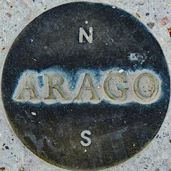 Dusty Arago medallion in the Jardin du Luxembourg (Monceau) Tags: arago disk dusty jardinduluxembourg squaredcircle squircle