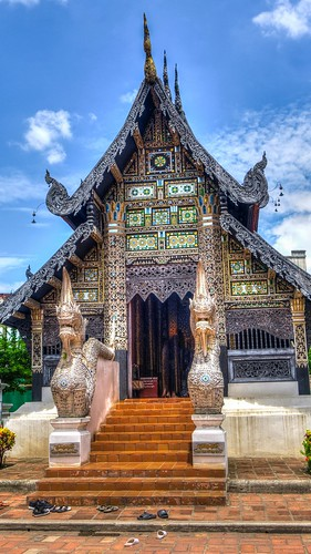 thailand_temple_chiang_mai_hdr_111657_1350x2400