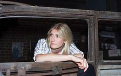Porträt - Portrait 008 (Roger-Kersten) Tags: porträt portrait frau woman blondine blick blond