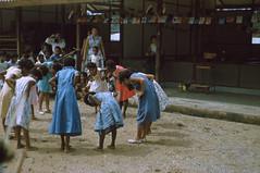 BD_171_711b (Stichting Papua Erfgoed) Tags: manokwari koninginnedag stichtingpapuaerfgoed pace kinderspelen