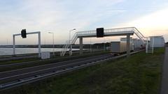 DSCN8798 (DutchRoadMovies) Tags: stevinsluizen afsluitdijk den oever a7 rijksweg ijsselmeer waddenzee bridge lake freeway motorway water sea locks