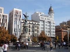 Zaragoza - Plaza de España. (Eduardo OrtÍn) Tags: zaragoza aragón monumento escultura plaza