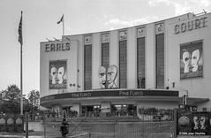 Earl's Court-1994oktober21-080 (joepdeumes) Tags: blackandwhite kodak monochrome tmax pinkfloyd earlscourt london 1994