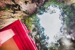 // Look to the sky // (tomsweisiong) Tags: photograpghy photography photo image images imaging outdoor outside 2018 color colour contrast composition picture flickr yahoo batu canon camera cave hdr highdynamicrange light exposure experiment day daylight daytime mountain